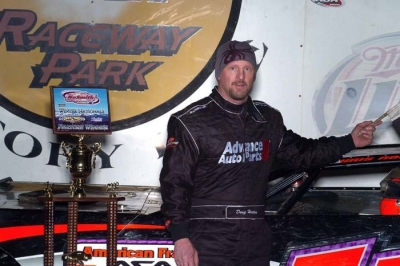 Doug Horton made his second straight trip to victory lane. (Eric Thompson)