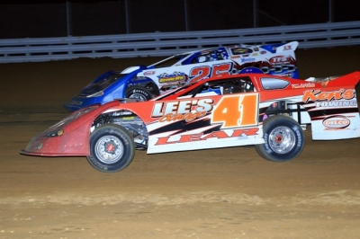 Kyle Lear (41) takes the lead from Josh Richards. (Clifford Dove)