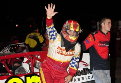 Kelly Boen waves to the Mid-Nebraska crowd. (Jerry Jacobs)