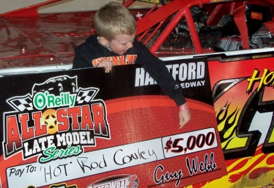 Rod Conley's son points out Dad's earnings. (Dustin Jarrett)
