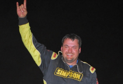 Randy Weaver celebrates his second straight series victory. (mrmracing.net)