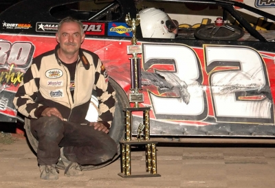 Terry Anvelink makes his first visit to Cedar Lake's victory lane. (Stan Meissner)