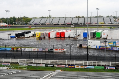 The soggy infield Friday at Knoxville Raceway. (thesportswire.net)