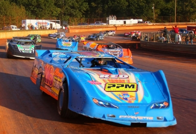 Randy Weaver leads the parade laps at Lavonia. (Gary Laster)
