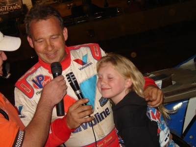 The winner's daughter joined him in victory lane. (Kevin Kovac)