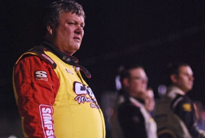 Winner Don O'Neal watches the consolation race. (DirtonDirt.com)