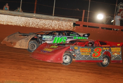 Chesley Dixon (3) battles Randy Weaver. (dt52photos.com)