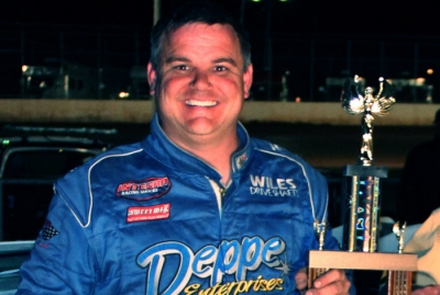 Jimmy Mars visits Superior's victory lane. (Ken Johnson)