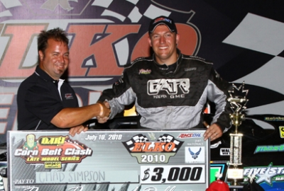Chad Simpson visits victory lane for the second time at Elko. (mikerueferphotos.photoreflect.com)
