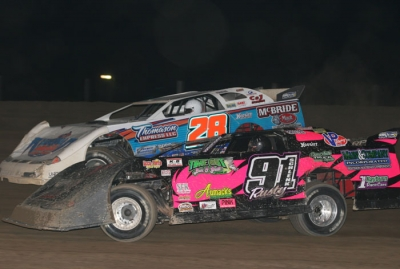 Dennis Erb Jr. (28) and Rusty Schlenk (91) in the early laps. (Todd Battin)