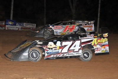 Jeremy Payne (74) battles Brad Looney (14) at Springfield. (fasttrackphotos.net)