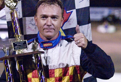 Lonnie Parker Jr. gives a thumbs up in victory lane. (rauhphoto.com)