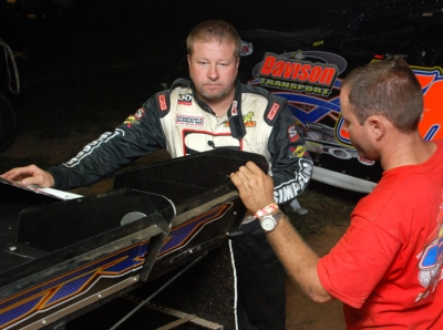 Wendell Wallace and crew chief Todd Moser. (DirtonDirt.com)