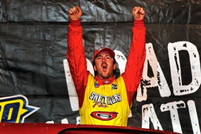Tim McCreadie celebrates his victory in East Bay's Winternationals finale. (thesportswire.net)