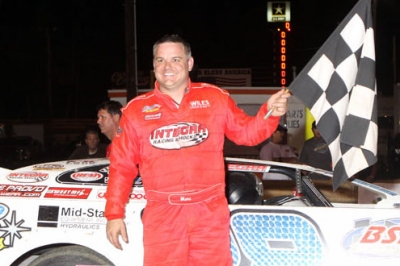Jimmy Mars grabs his first checkered flag at Hagerstown. (pbase.com/cyberslash)