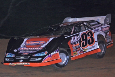 Ray Moore heads for victory at I-30 Speedway. (Best Photography)