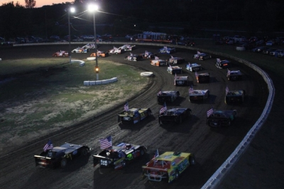 The four-wide parade lap at Caney Valley. (Matt Weintz)