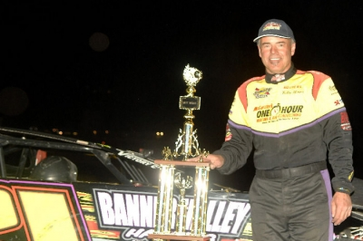 Billy Moyer earned his  third WWS victory of 2012. (photofinishphotos.com)