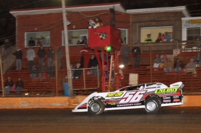 Tony Jackson Jr. takes the checkers Friday in Clarksville, Tenn. (erikgrigsbyphotos.com)