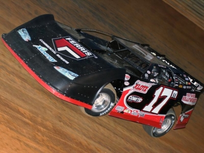 Dale McDowell heads toward his flag-to-flag Spring Thaw victory. (Chad Wells)