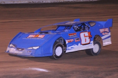 Rob Litton heads to victory at Jones Motor Speedway. (Best Photography)
