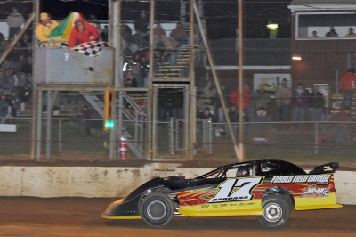 Keith Barbara earned $3,000 at Mercer Raceway Park. (stivasonphotos.com)