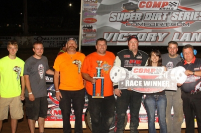 Morgan Bagley celebrates his Comp Cams Series victory with crew and supporters. (Woody Hampton)