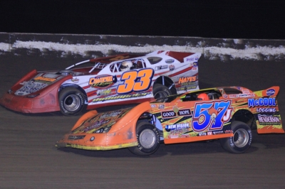 Winner Bub McCool (57j) battles Scott Dedwylder (33) at Greenville. (Best Photography)