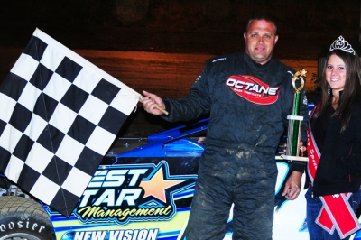 Brandon Umberger visits victory lane at Beckley. (peepingdragonphotography.com)