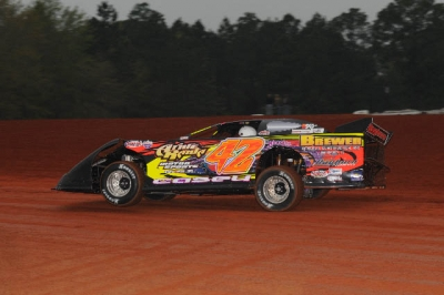 Terry Casey dominated action at Swainsboro. (carlsonracephotos.com)