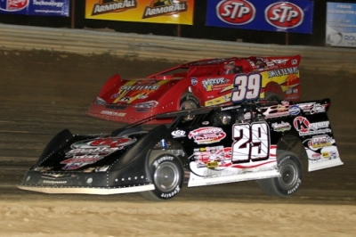 Darrell Lanigan (29) takes the lead from Tim McCreadie (39) at Wayne County. (Roy D. Walker)