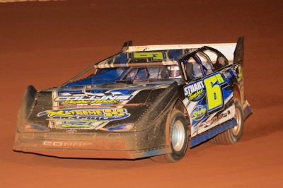 Robbie Stuart heads to victory at Lone Star Speedway. (Best Photography)