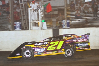 Billy Moyer crosses the finish line for a $10,000 victory (stlracingphotos.com)