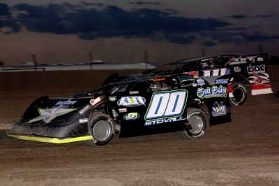 Jesse Stovall (00) heads for victory at Jetmore, Kan. (Ron Mitchell)