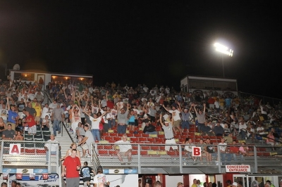 A healthy crowd turned out for Friday's prelims at I-80 Speedway. (fasttrackphotos.net)