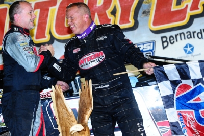 Runner-up Jimmy Owens (left) congratulates Darrell Lanigan. (mikerothphotography.com)