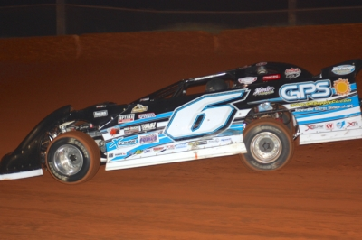 Steve Shaver heads for victory at Cherokee. (Gene Murphy)