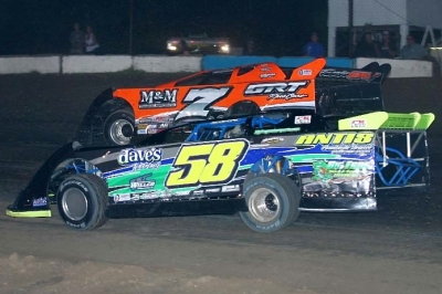 Mark Whitener (58) heads for victory at North Florida Speedway. (ricksdarkroom.com)