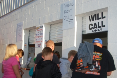 Florence Speedway drew a standing-room only crowd. (DirtonDirt.com)