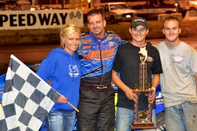 Brian Shirley's team enjoys victory lane in Lincoln, Ill. (Rocky Ragusa)