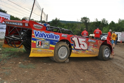 The car Steve Francis practiced in Thursday night is set aside for Friday's action. (DirtonDirt.com)