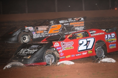 Winner Brady Smith (2) battles Jake Redetzke (27) at Proctor Speedway. (chrisburback.com)