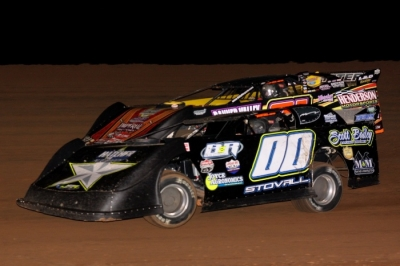 Jesse Stovall (00) heads for his fifth MARS victory. (Ron Mitchell)