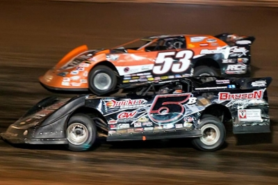 Mike Marlar (5B) takes the second spot from Ray Cook (53) at I-77. (peepingdragonphotography.com)