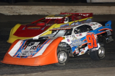 Jason Papich (91P) heads to victory at Santa Maria Speedway. (Jon Paquet)