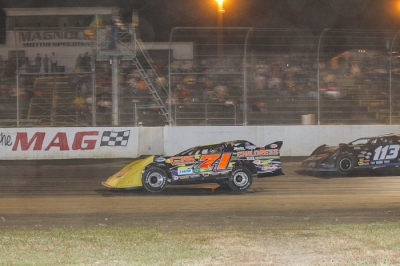 Chris Wall claims a $3,000 victory at Magnolia. (foto-1.net)