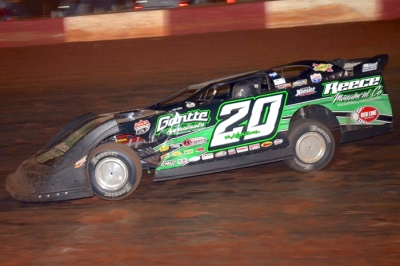 Jimmy Owens heads for his sixth Lucas Oil victory of 2012. (Mike Blevins)