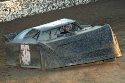 Jesse Stovall steers a Larry Brown-owned No. 36. (photofinishphotos.com)