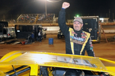 Billy Ogle Jr. earned $4,000 at North Georgia. (binghamfreelance.com)