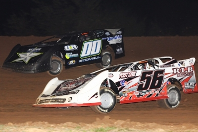 Jesse Stovall (00) battles Tony Jackson Jr. (56) early at Springfield. (straightcircles.com)